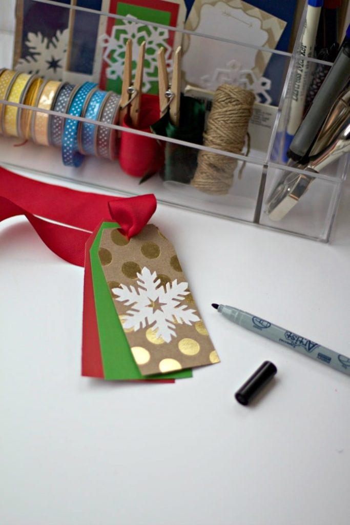 gift-tag-station