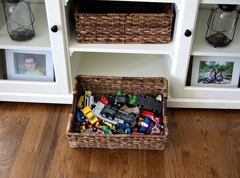 How to organize kids toys like a professional the organized mama for Living room storage for toys