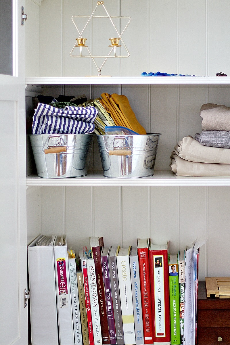 How To Quickly Declutter Your Living Room - The Organized Mama